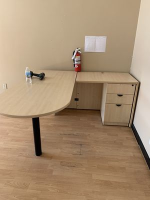 L shaped Desk for Sale in Tracy, CA