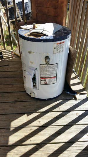 Used Whirlpool 20 gallon hot water heater for Sale in Salisbury, NC