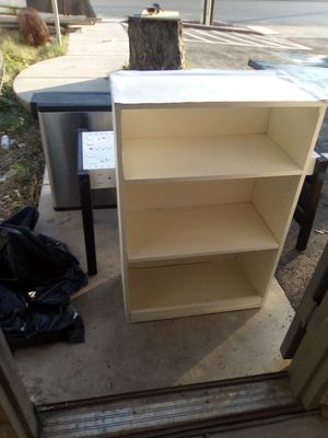 Nice white small book shelf for Sale in Austin, TX