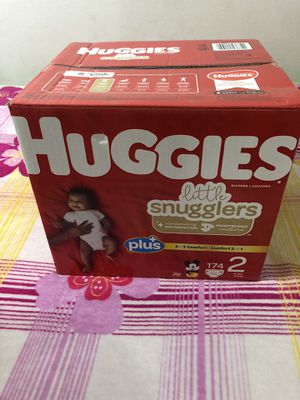 Brand new box of Huggies size 2 for Sale in Long Beach, CA