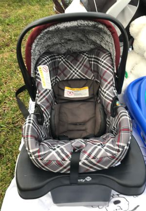 Safety 1st infant car seat for Sale in Wilmington, NC