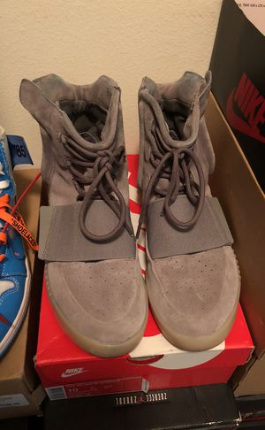 Yeezy 750 sz 10 for Sale in Los Angeles, CA