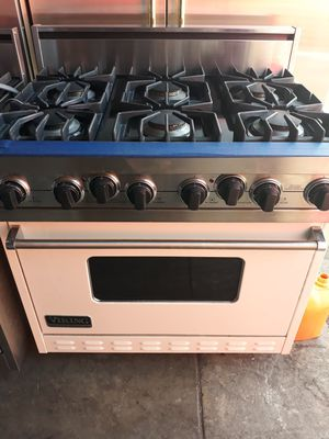 """VIKING PROFESSIONAL STOVE 36"""" WHITE COLOR for Sale in Hayward, CA"""