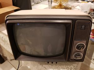 Vintage 1975 GE General Electric White Performance Television for Sale in Boca Raton, FL
