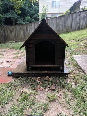 Medium dog house for Sale in Upper Marlboro, MD