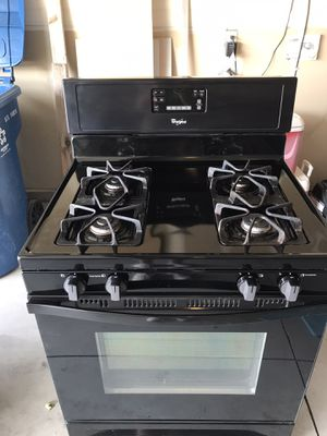 Whirlpool gas range with gas connections and owners manual for Sale in Nampa, ID
