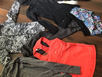 Add it in a pair of pants six pieces Lululemon size 68 for Sale in Fort Worth,  TX
