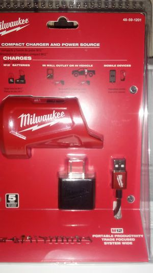 MILWAUKEE M12 COMPACT CHARGER & POWER SOURCE for Sale in Irwindale, CA