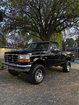 1994 Ford f 150 v8 4x4 for Sale in Los Angeles, CA