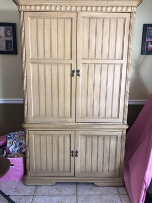 Craft armoire for Sale for sale  Howell, NJ