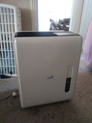 Ideal air dehumidifier 120 pint dehumidifier for Sale in Turlock, CA
