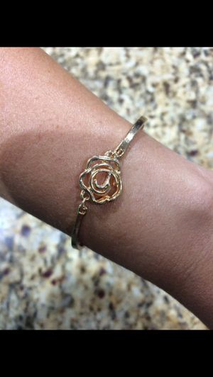 Fashion Bracelet (does not change the color) for Sale in Miami Lakes, FL