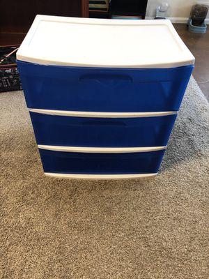 Plastic bin for Sale in Queen Creek, AZ