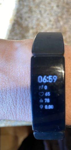 Fitbit 2 Heart Rate + Fitness Wristband, Black for Sale in Long Beach,  CA