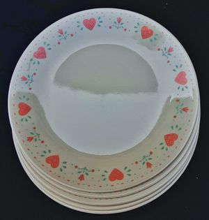 """Corelle forever yours 10"""" dinner plates x 5 country kitchen pink hearts design MINT ! for Sale in Saginaw, MI"""