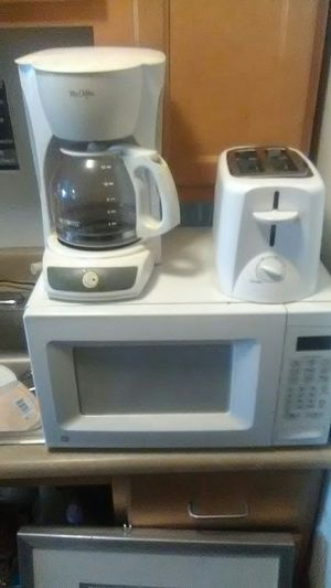 Microwave toaster coffee maker and more for Sale in Cleveland, OH