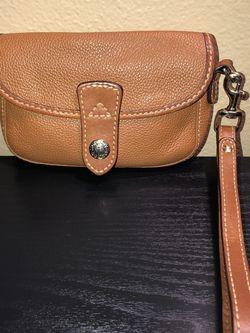 Dooney&Bourke Tan Pebbled Leather Wristlet for Sale in Hollywood,  FL
