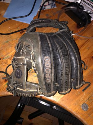 a2000 baseball glove for Sale in Virginia Beach, VA