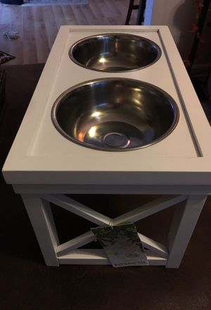 White dog bowl holder with small deep bowls for Sale in Yorkville, IL