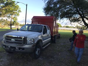 Ford f450 2006 Dump truck(Camion de volteo) for Sale in Hialeah, FL