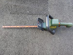 Black and Decker Hedge Trimmer for Sale in Aldie, VA