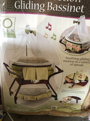 Bassinet for Sale in Decatur, GA
