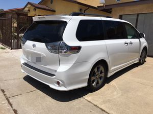 2014 Toyota Sienna SE 8-Passenger Minivan 3.5L V6! 6-speed shiftable automatic! Clean Title!! for Sale in San Diego, CA