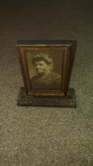 Antique wooden frame with antique picture for Sale in Gaston, SC