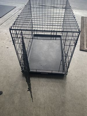 Dog crate Medium size for Sale in Buena Park, CA
