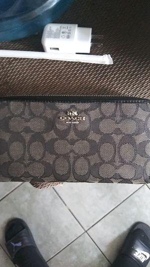 Coatch wallet for Sale in Orange, CA
