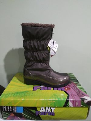 Girl Boots size 13 for Sale in Bell Gardens, CA