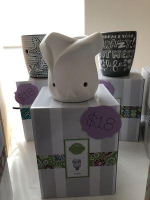 New Tea Rose Mini Scentsy Warmer for Sale in Livonia, MI