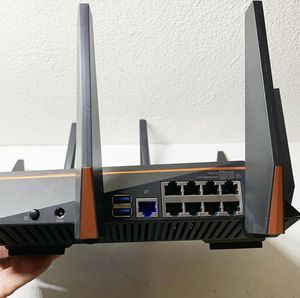Like NEW ASUS Rapture GT-AC5300 8-Port WiFi Tri-Band Gaming Router for Sale in Fremont, CA