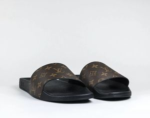 Louis Vuitton sandals size 9.5 for Sale in North Miami Beach, FL