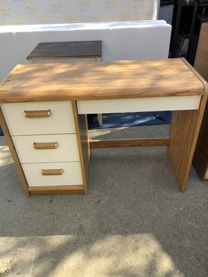 Wood Desk! for Sale in Upland, CA