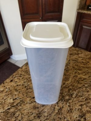 Bread keeper storage container for Sale in VLG WELLINGTN, FL