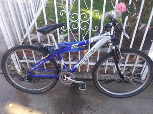 Mongoose pro mountain bike for Sale in Los Angeles, CA