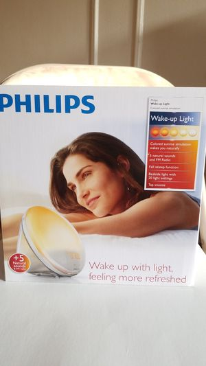 Philips Wake-Up Light Alarm Clock with Colored Sunrise Simulation and Sunset Fading Night Light, White for Sale in Kirklyn, PA