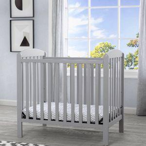 Delta Children Gateway Mini Convertible Baby Crib with 2.75-inch Mattress, Grey for Sale in Hayward, CA