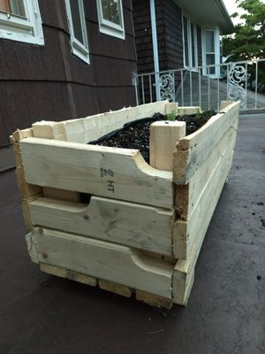 Recycled pallet planter box for Sale in Grosse Pointe Park, MI