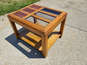 Wood End Table for Sale in Rochester, MI