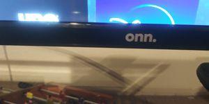 "24"" onn smart Roku TV for Sale in Brookfield, IL"