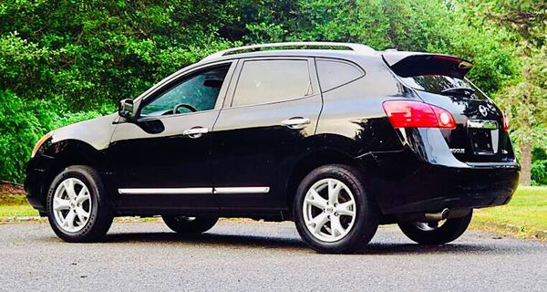 2012 Nissan Rogue Black 1200$!