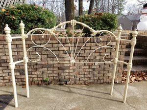 Wrought iron queen bed frame for Sale in Montevallo, AL