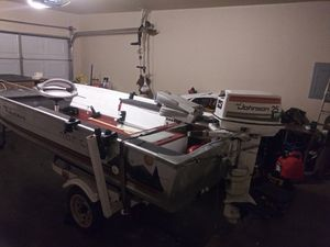 14' v bottom with 25hp johnson for Sale in Tulsa, OK
