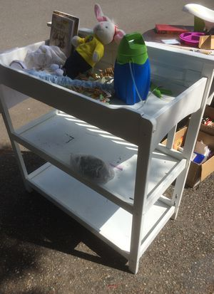 Free baby changing table for Sale in Arlington, WA