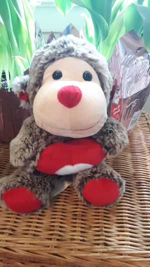 NWT MONKEY HEART STUFFED ANIMAL TOY for Sale in Oceanport, NJ