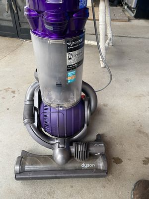 Dyson Animal DC25 Vacuum for Sale in Riverside, CA