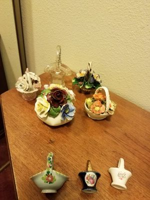 Collectable Porcelain and Crystal Baskets for Sale in Monroe Township, NJ