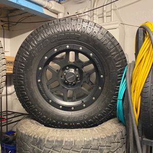 Jeep Wrangler 17 Inch Pro Comp Wheels 5 Wheels With Tires for Sale in Union City, CA